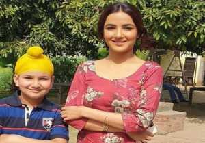 Jasmin Bhasin completes her first Punjabi song shooting; Check Out
