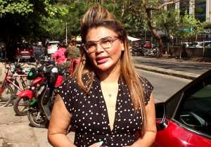 Rakhi Sawant spotted at Andheri; Watch Video