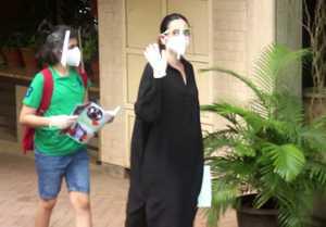 Karishma Kapoor spotted with son at Kareena Kapoor house at Bandra