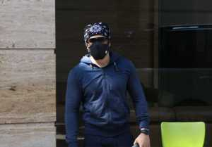 Emraan Hashmi  spotted during Mumbai streets; Watch video