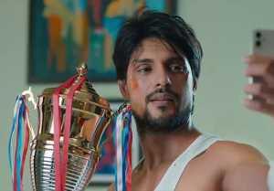 Udaariyaan Episode 86; Fateh shows his Winning trophy to Jasmin