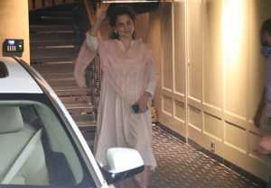 Kangana Ranaut spotted at her office ; Watch video