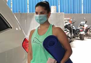 Sunny Leone spotted at Yoga classes with friends; Watch video