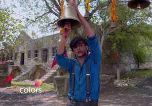 Barrister Babu Episode 298; Anirudh tries to save Bondita from Thakuma