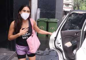 Sara Ali Khan spotted at at RSVP office Santacruz; Watch video