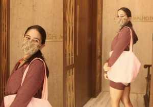 Sara Ali Khan spotted at Manish Malhotra's house; Watch video
