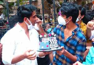 Sonu Sood celebrates his birthday with media; Watch Video