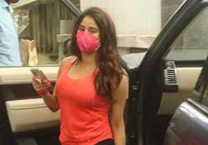 Jhanvi Kapoor looks super cool in her latest video