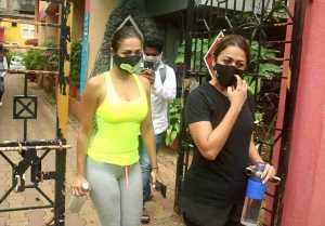 Malaika Arora spotted with sister Amrita Arora at Yoga class in Bandra