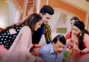 Sasural Simar Ka 2 spoiler: Simar & Reema hold Papa tightly when he fall down