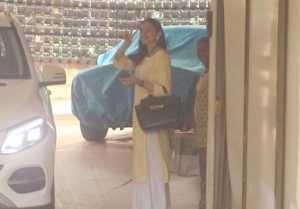 Rakul Preet Singh spotted at outside her residence in Bandra