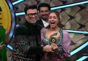 Bigg Boss OTT Finale: Has Divya Agarwal tributed the trophy to her late father?