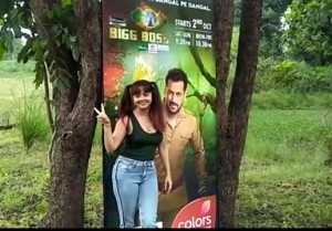 Bigg Boss Fame Devoleena Bhattachargjee Spotted at Bigg Boss 15 Venue