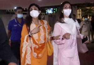 Shilpa Shetty returns from Mata Vaishno Devi; Watch video