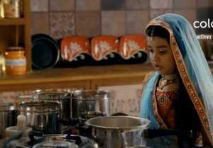 Balika Vadhu 2 Episode 27 September ; Maadi Baa Tortures Anandi