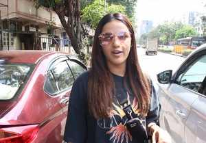 Jasmin Bhasin Spotted in Juhu and Talk about Rahul Vaidya Birthday