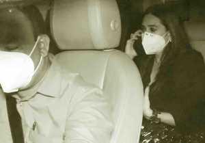 Karisma Kapoor attends Kareena Kapoor Khan's party; Watch video