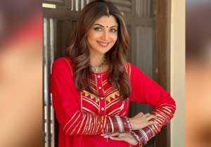 Shilpa Shetty Shares her Beautiful Karwachauth Look without Raj Kundra