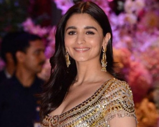 Alia Bhatt REACTS on Bollywood Stars Fees