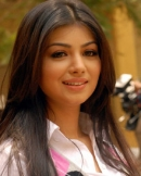 Ayesha Takia as Priya  Taarzan The Wonder Car Actress