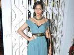 Sonam Kapoor Does Not Date Bollywood Actors Work Pleasure Separate