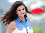 Selena Gomez Doesn T Care About Bella Hadid S Feelings