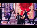 Shah Rukh Khan Romantic Tweet To Gauri Khan Makes Us Fall In Love With Him All Over Again