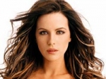 Beckinsale Disfigured Woman