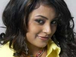 Meenakshi Eyeing Bollywood