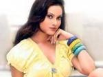 Nikki Deepika Footsteps