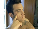 Robbie Williams Woo Girlfriend