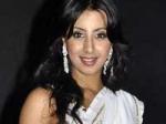 Sanjana Denies Kiss Sreesanth