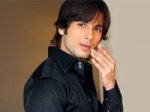 Shahid Bowled By Aamir