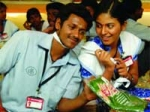 Angadi Theru Movie Release