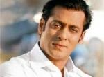 Salman Honours Titel Aamir