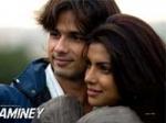 Shahid Kapoor Priyanka Chopra Love Story 170111 Aid