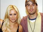 Iglesias Kournikova Expecting First Baby 270111 Aid