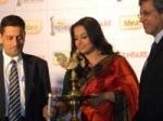 Filmfare Awards 2010 Vidya Balan Nervous 290111 Aid