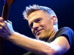 Bryan Adams Too Expensive Young Crowd 100211 Aid