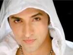 Ganesh Hrithik Roshan Judge Just Dance 120211 Aid