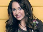 Miley Cyrus Award Positive Impact Youth 220211 Aid