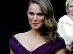 Natalie Portman Oscar Award Black Swan 280211 Aid