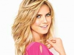 Heidi Klum Present Underwear Leno Oscar 030311 Aid