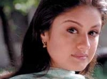 Sonia Agarwal Denies Acting Doubles 040311 Aid
