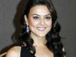 Preity Zinta Shiney Ahuja Halt 260311 Aid