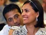 Lara Dutta Calls Mahesh Bhupathi Filmy 270411 Aid