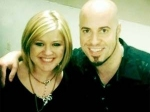 Kelly Clarkson Duet Chris Daughtry 040511 Aid