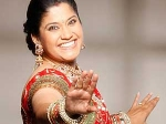 Renuka Shahane Debut Judge Comedy Show 100511 Aid