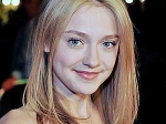 Dakota Fanning Lose Virginity 130511 Aid