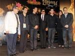 Shahrukh Khan Jhumroo Here Shiamak 270611 Aid